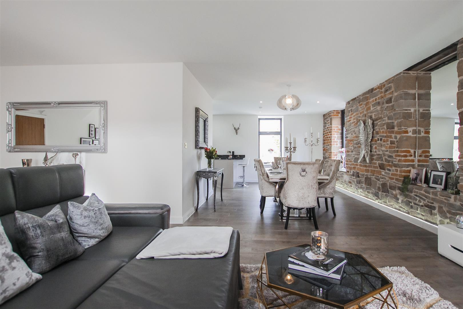 3 Bedroom Duplex Apartment For Sale - Image 33